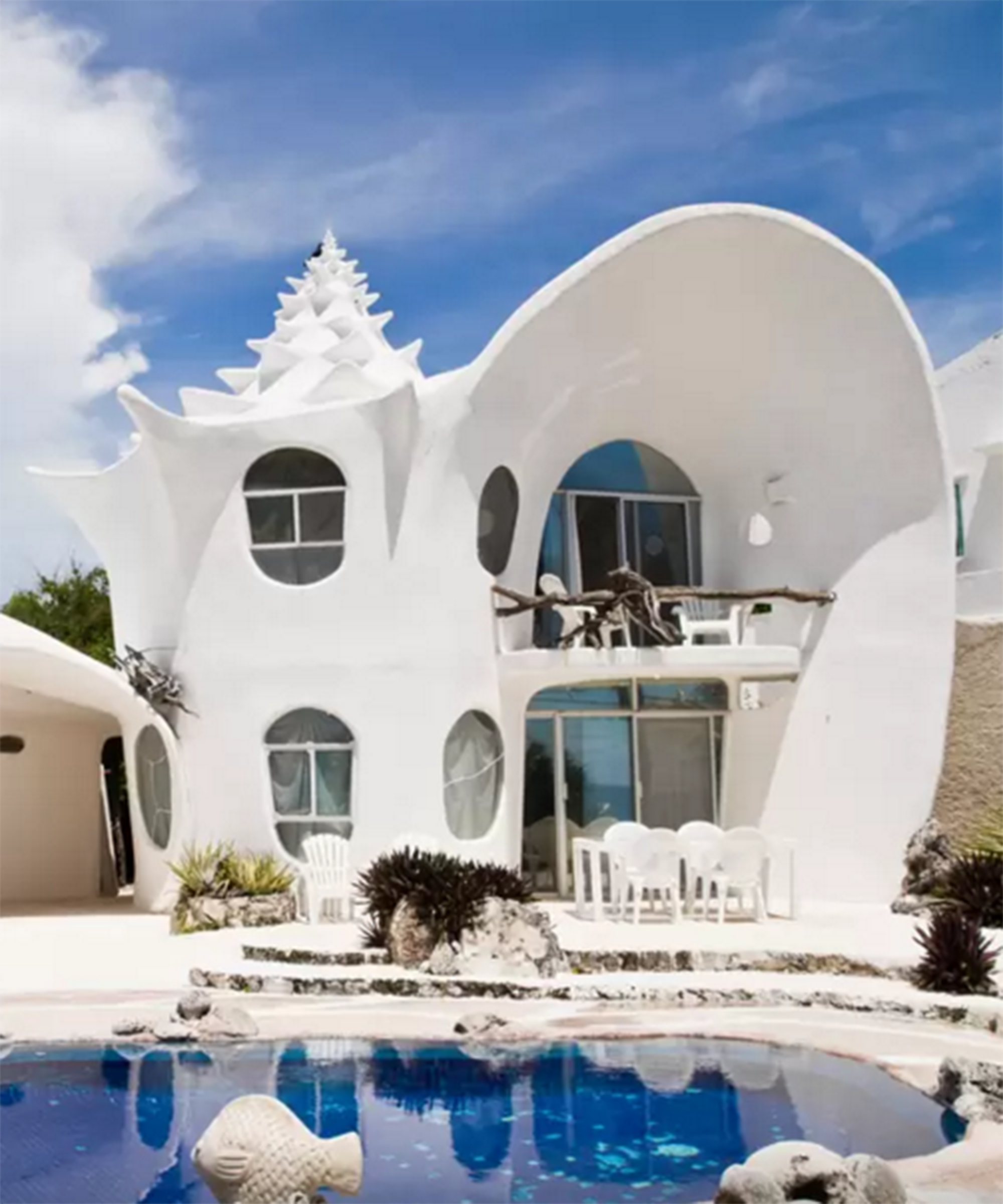Everyone Wants To Stay At These Airbnbs Places To Travel