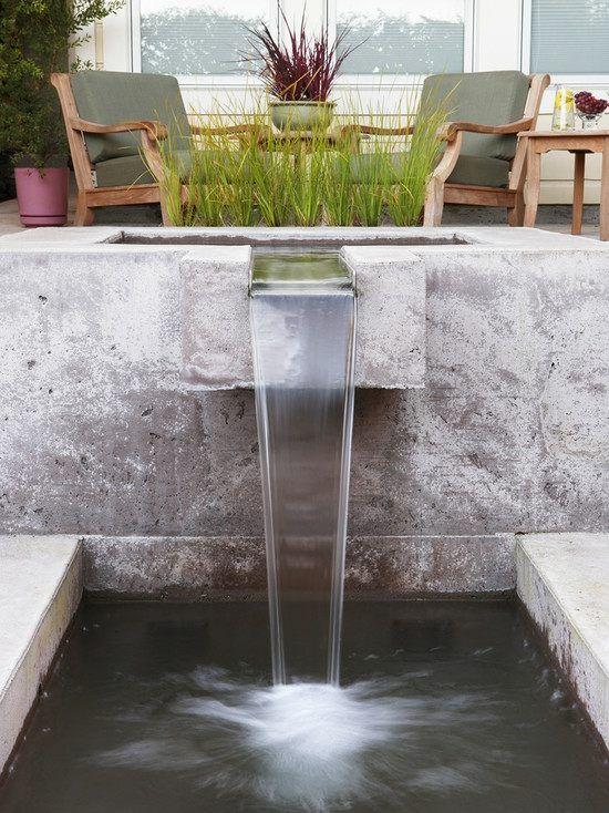 Gras Wasserspiele Garten Betonbecken Wasserfall Schwimmteich anlegen