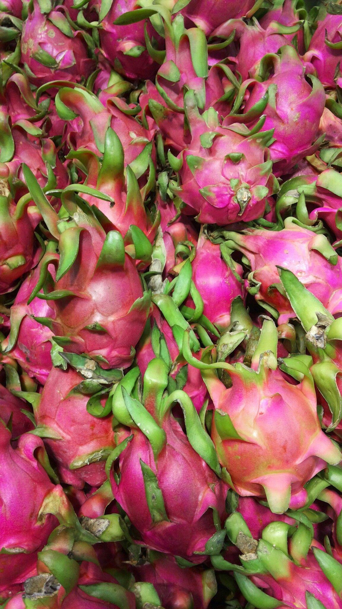 Pattern dragon fruit #fresh #dragonfruit #red #fruit