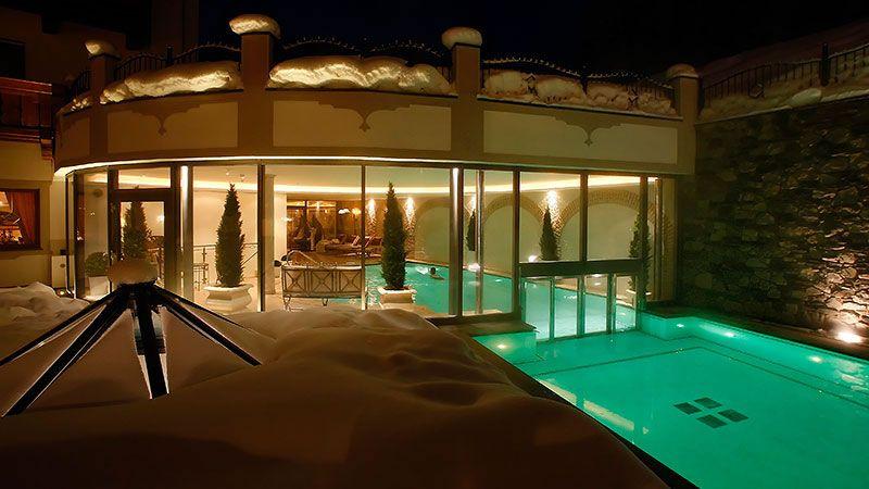 Piscina Del Savoy Small Luxury Spa Hotel Dolomites A Selva Di