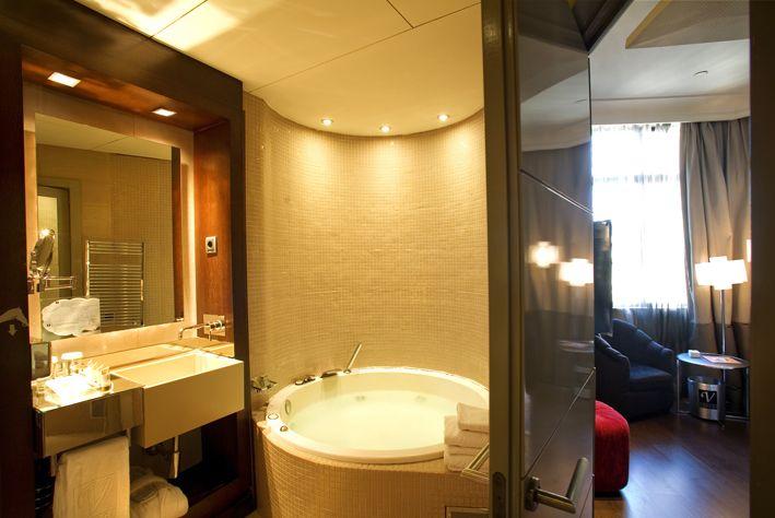 Habitación estándar con jacuzzi Vincci Capitol 4* (Madrid)