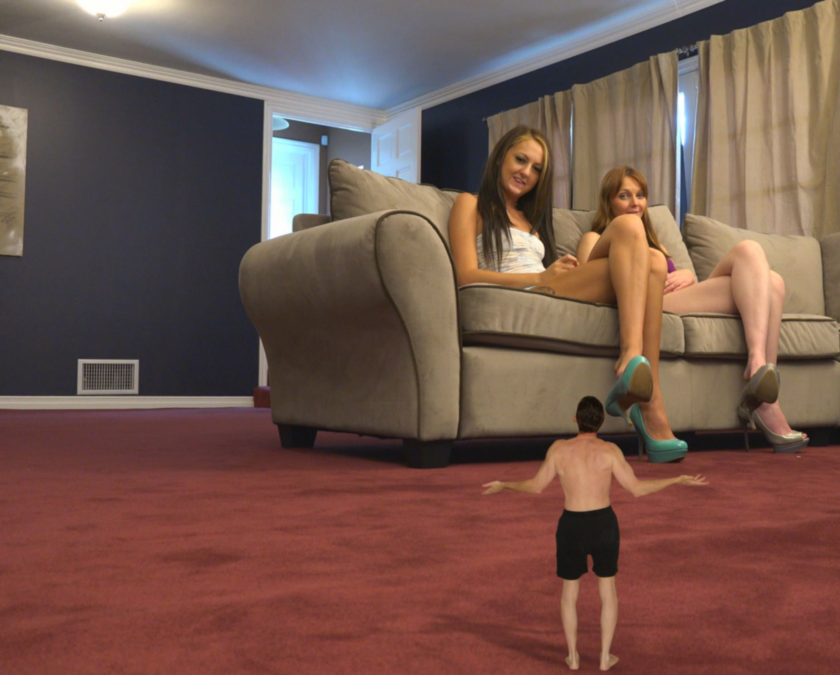 Movie shrunken man big girl — img 7