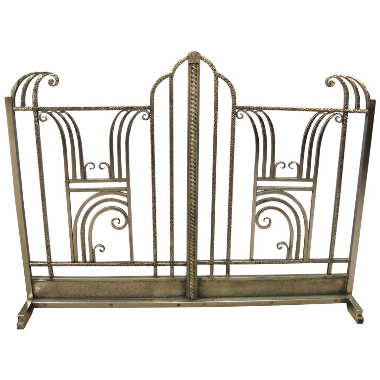 French Art Deco hand forged iron fire screen - Charles Piguet 1925 | From a  unique - French Art Deco Hand Forged Iron Fire Screen - Charles Piguet 1925