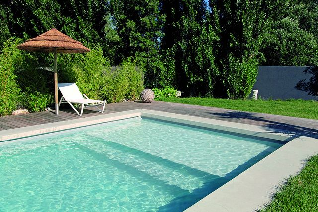 Liner gris et plage immergée PISCINES Pinterest Swimming pools