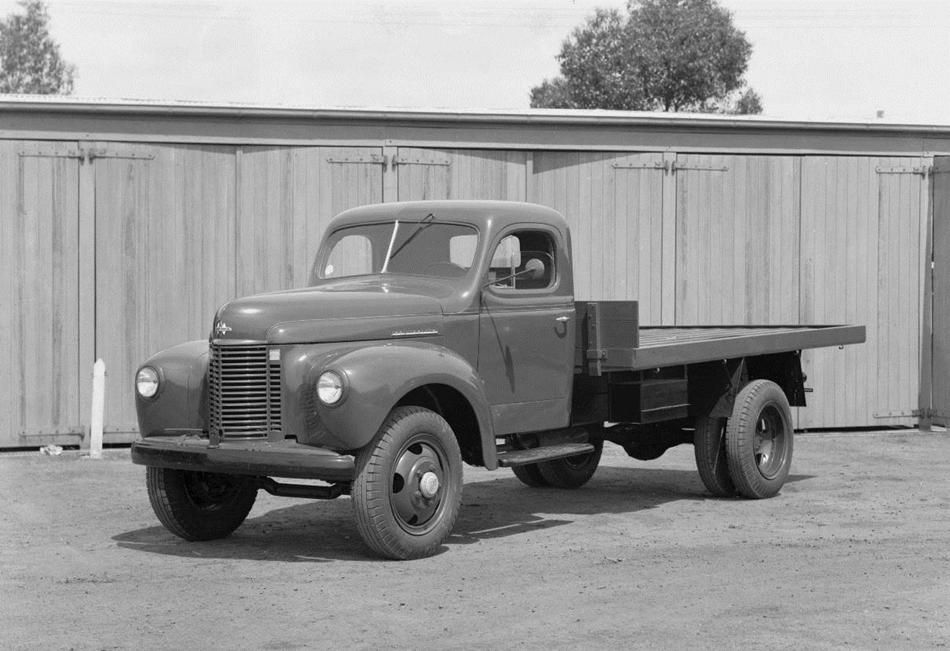 old international trucks | negative - international harvester, ks5 tray  body truck, 1946 - museum