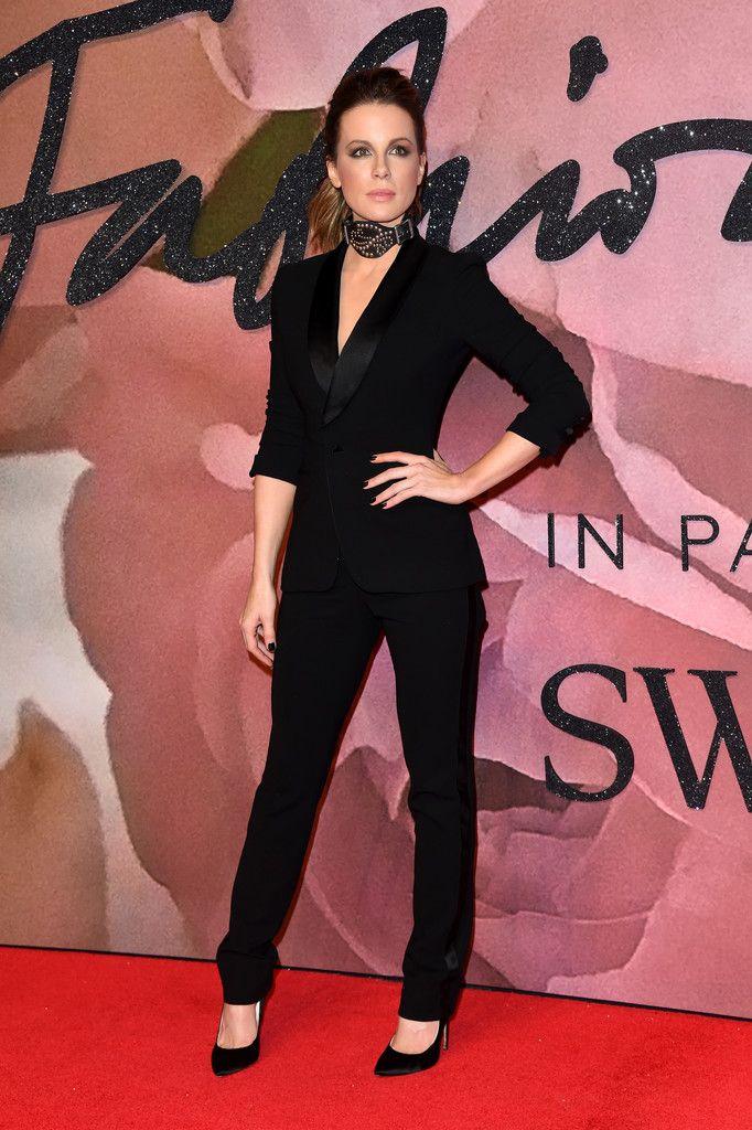 De los British Fashion Awards: Kate Beckinsale. Con un elegante ...