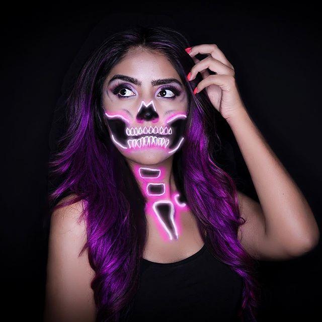 Neon skull makeup #neonskull coty kit Pinterest Maquillaje