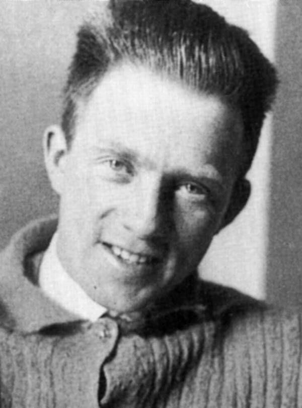 Werner Heisenberg | Famous scientist, Werner heisenberg ...