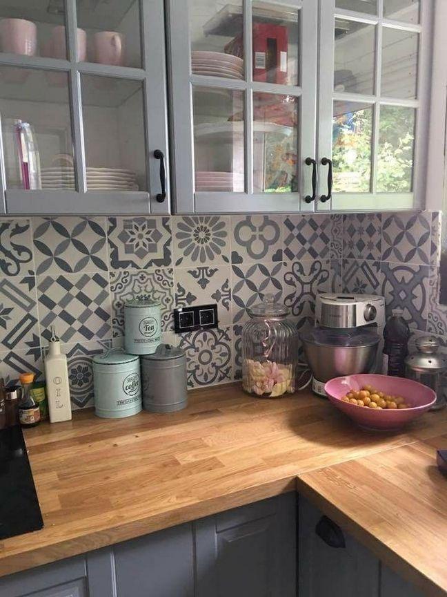 Cheap Kitchen Remodel Ideas – Small Kitchen Designs On A Budget - https://pickndecor.com/interior #kitchensplashbacks