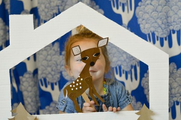 A simple and fun tabletop puppet theater...