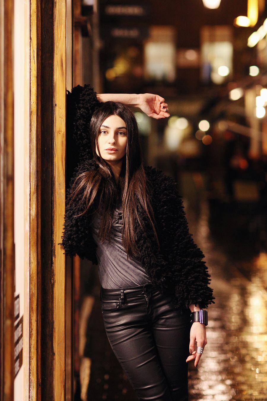 Night Photoshoot in Soho, London | Night photography portrait, Street photography portrait, Street fashion photography