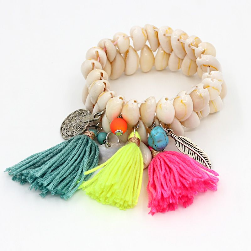 J'adore les bracelets en coquillages avec des pompons aux couleurs de l'été... (lien affilié) . VONNOR Jewelry Fashion Women Beads Shells Bracelet Tassel Alloy Pendant Bohemian Bracelets Female Girl Summer Accessories