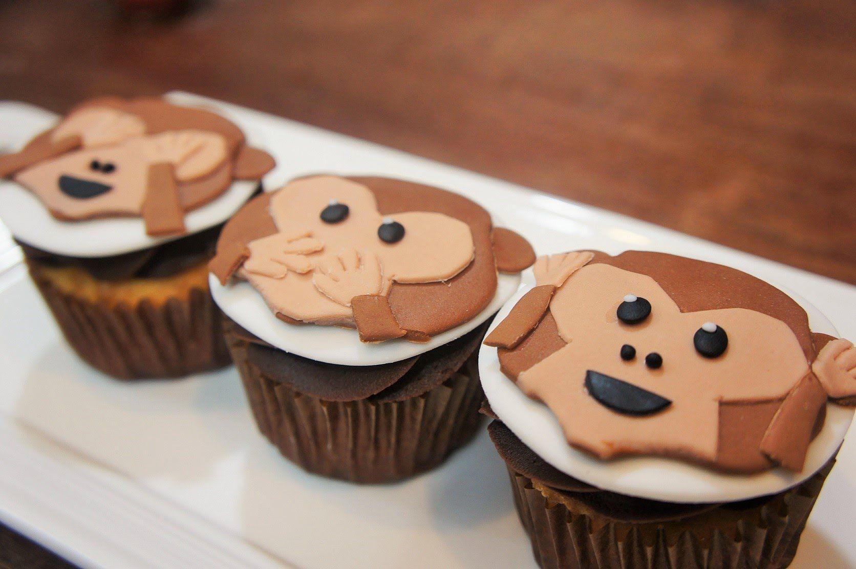 Cupcakes De Emoji Changuitos Baking Day Pastel De Emoji