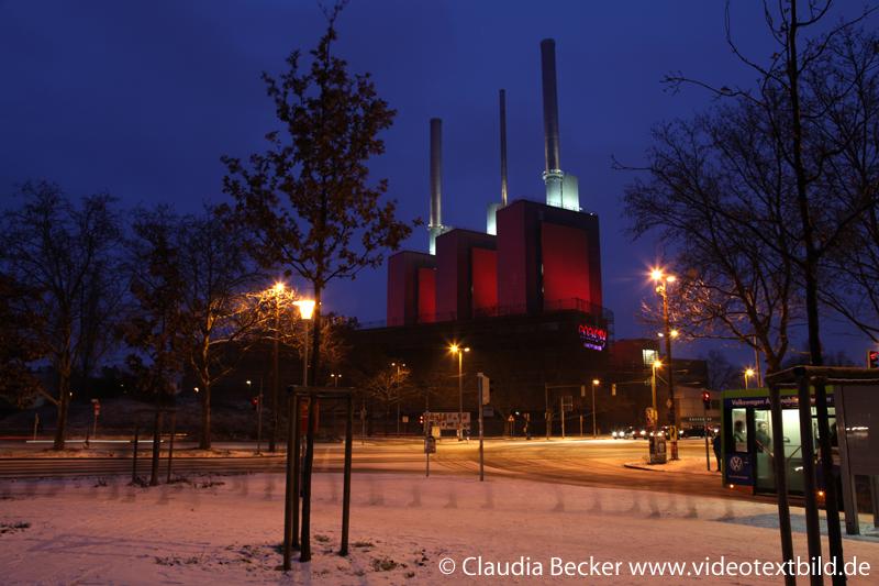 Heizkraftwerk Hannover Linden - festlich illuminiert anlässlich der Einweihung neuer Technik 10.-13. Januar 2013