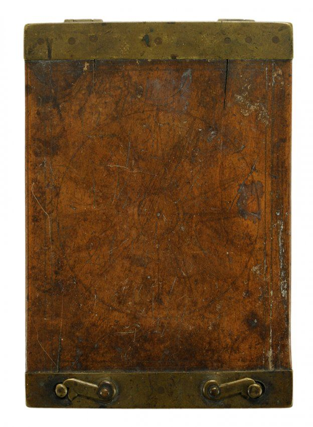 Engraved Compass in Wooden Case, Brass : Lot 211