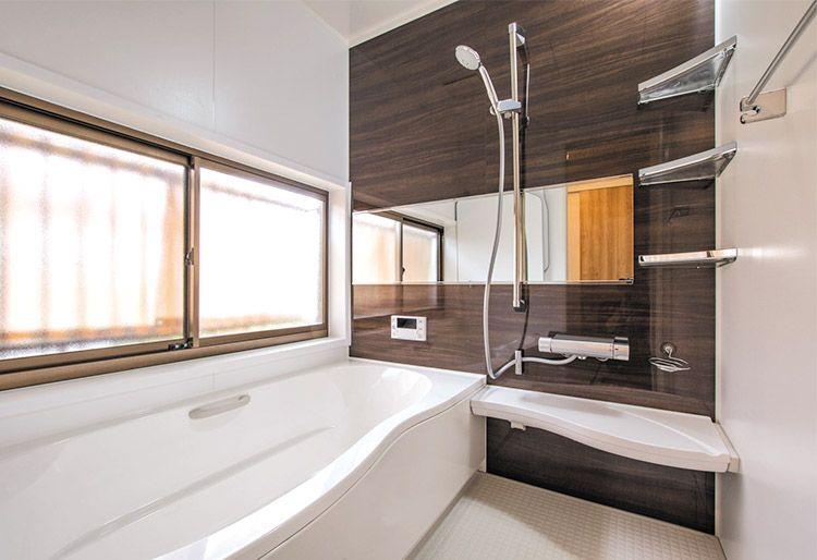 ガレージのあるカフェスタイルのldk アライズ リクシル 浴室