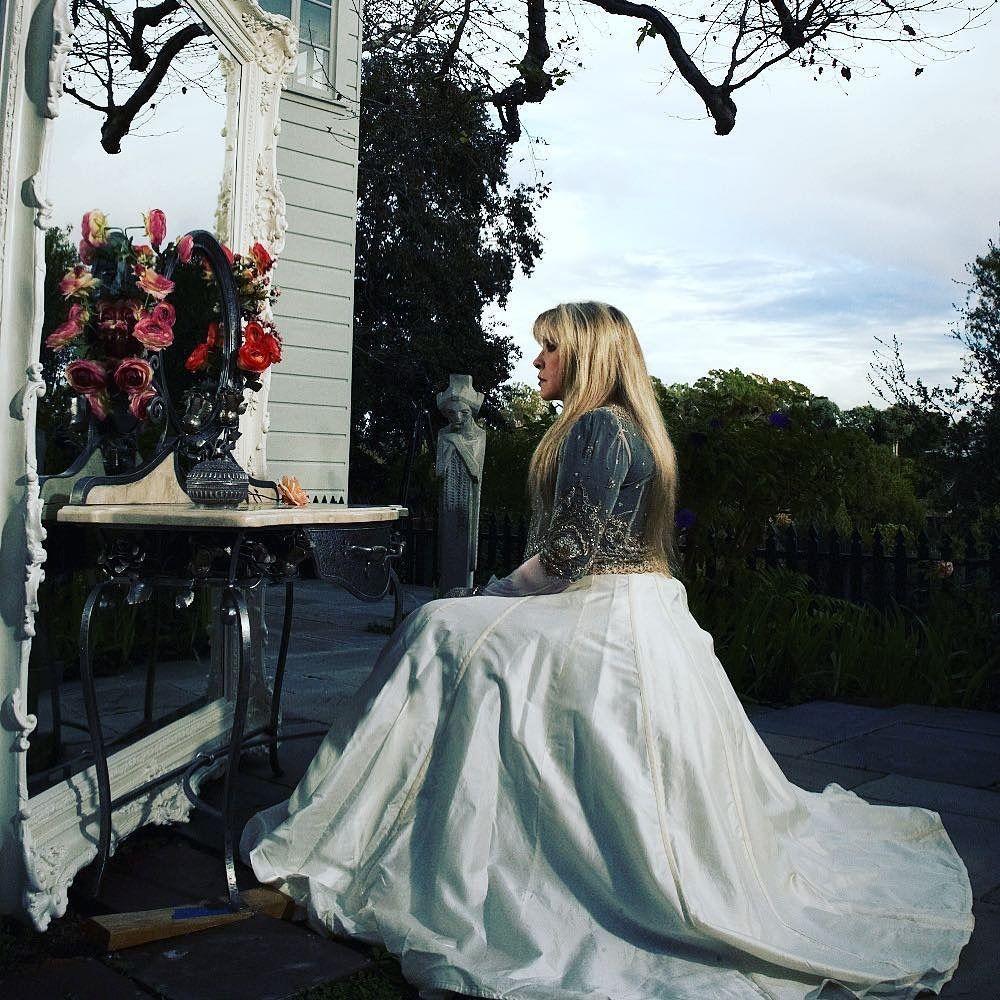 Beautiful Stevie Stevie Nicks Lindsey Buckingham Stevie Nicks Stevie [ 1000 x 1000 Pixel ]