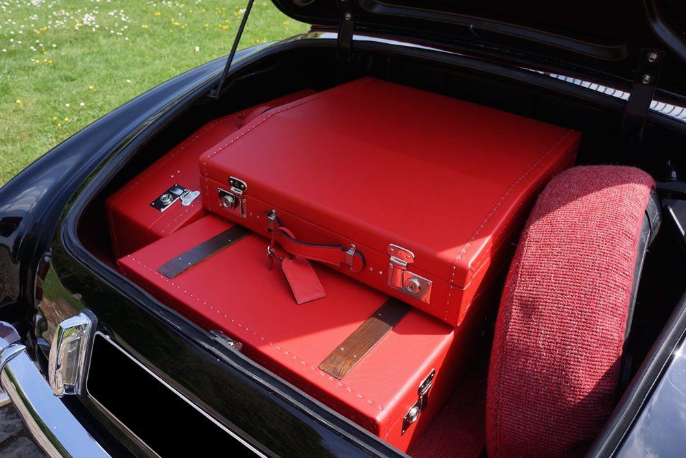 sl luggage sets vintage mercedes benz 190 luggage. Black Bedroom Furniture Sets. Home Design Ideas