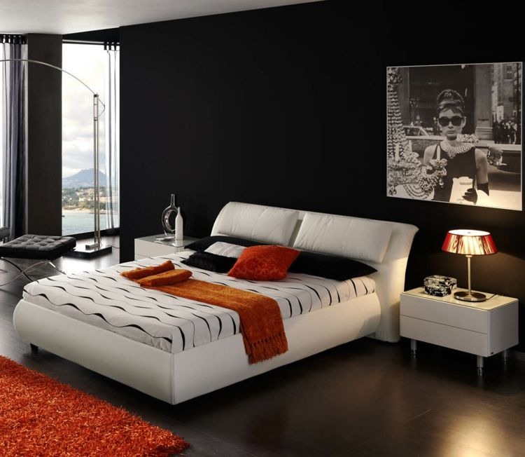 Zimmer Streichen Ideen Modern Schwarz Wand Weiss Bett.