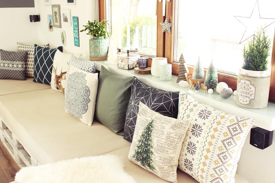 Wohnzimmer Weihnachten Kleiner Wald Palettencouch
