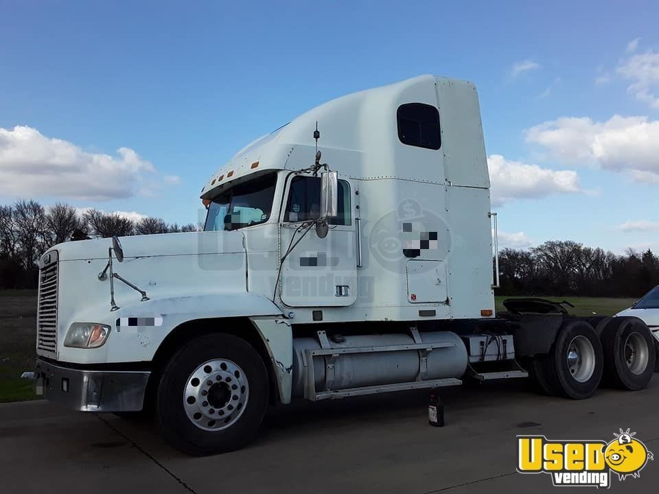 Freightliner Semi Truck Fld 2000 Sleeper Cab Used Semi Truck For Sale In Texas In 2020 Semi Trucks For Sale Trucks For Sale Semi Trucks