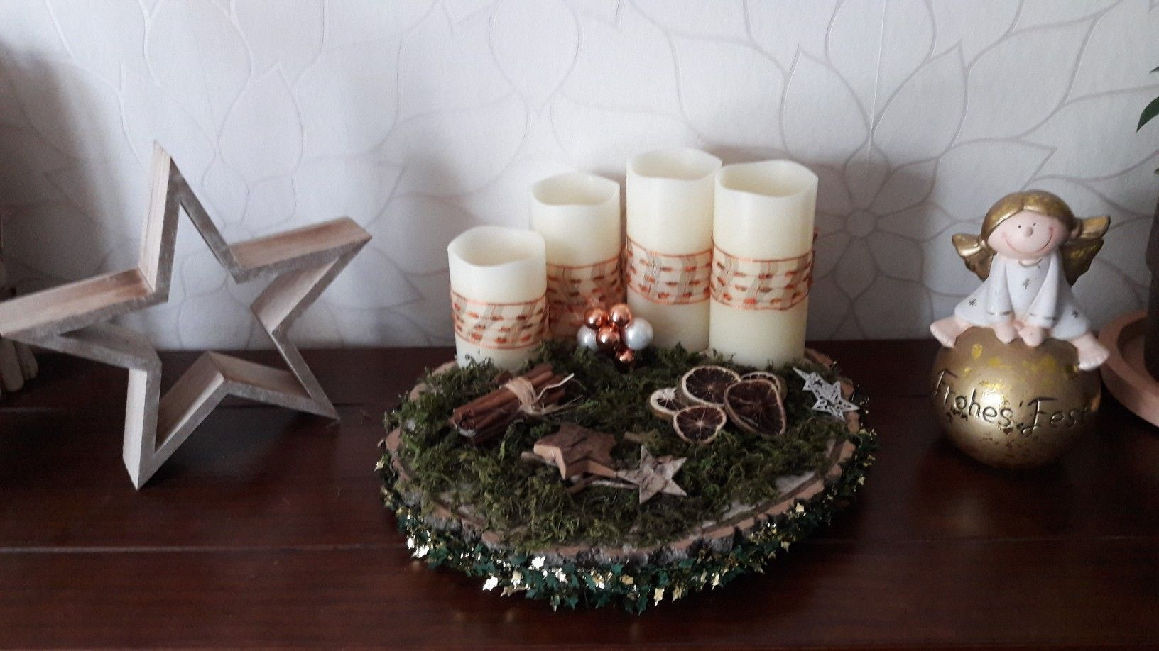 Adventskranz Mit Echtwachs Led Kerzen Baumscheibe Getrocknete