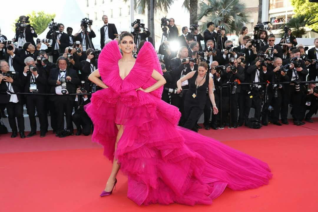 Deepika padukone slay at red carpet in pink gown at cannes ...