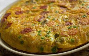 Tortilla au thon et aux légumes WW recette dune délicieuse tortilla légère facile à réaliser à servir coupée en pe...
