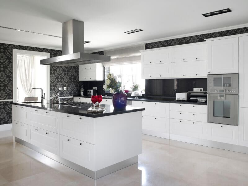 36 Inspiring Kitchens With White Cabinets And Dark Granite Pictures House Interior Design Kitchen Interior Design Kitchen Modern Kitchen Design