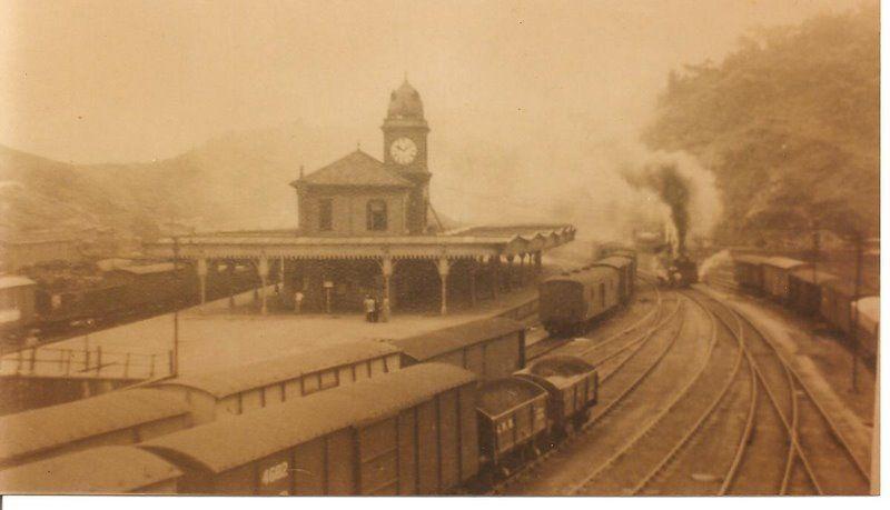 Linda estação de trem.