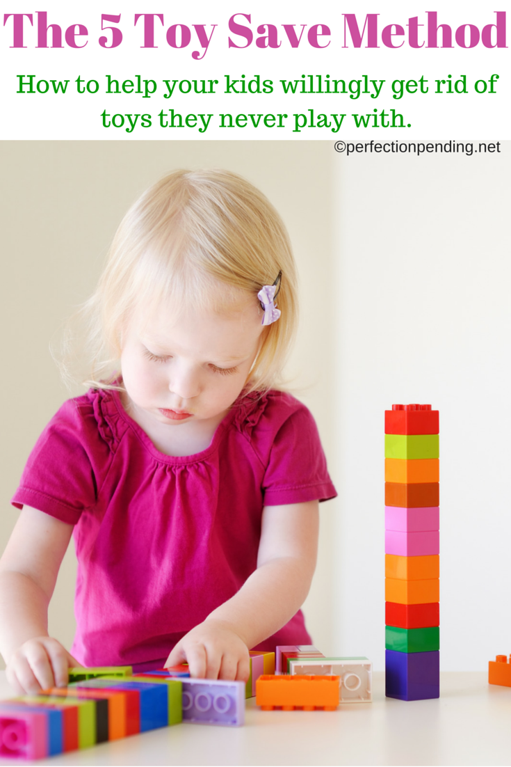 Do you struggle keeping your toys organized? This method is the BEST way to help your kids get rid of toys willingly and help you stay organized. If you have too many toys, then this parenting hack is for you.