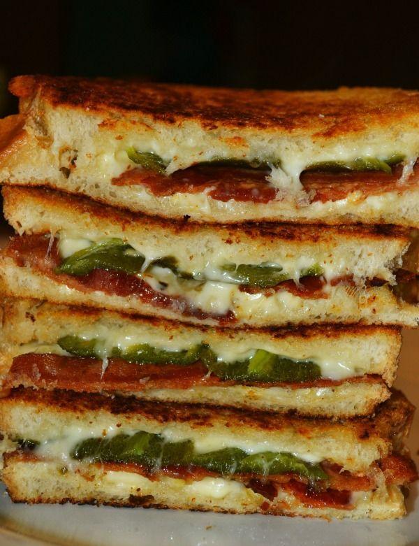 Sándwich de queso a la parrilla con Tocino y jalapeños