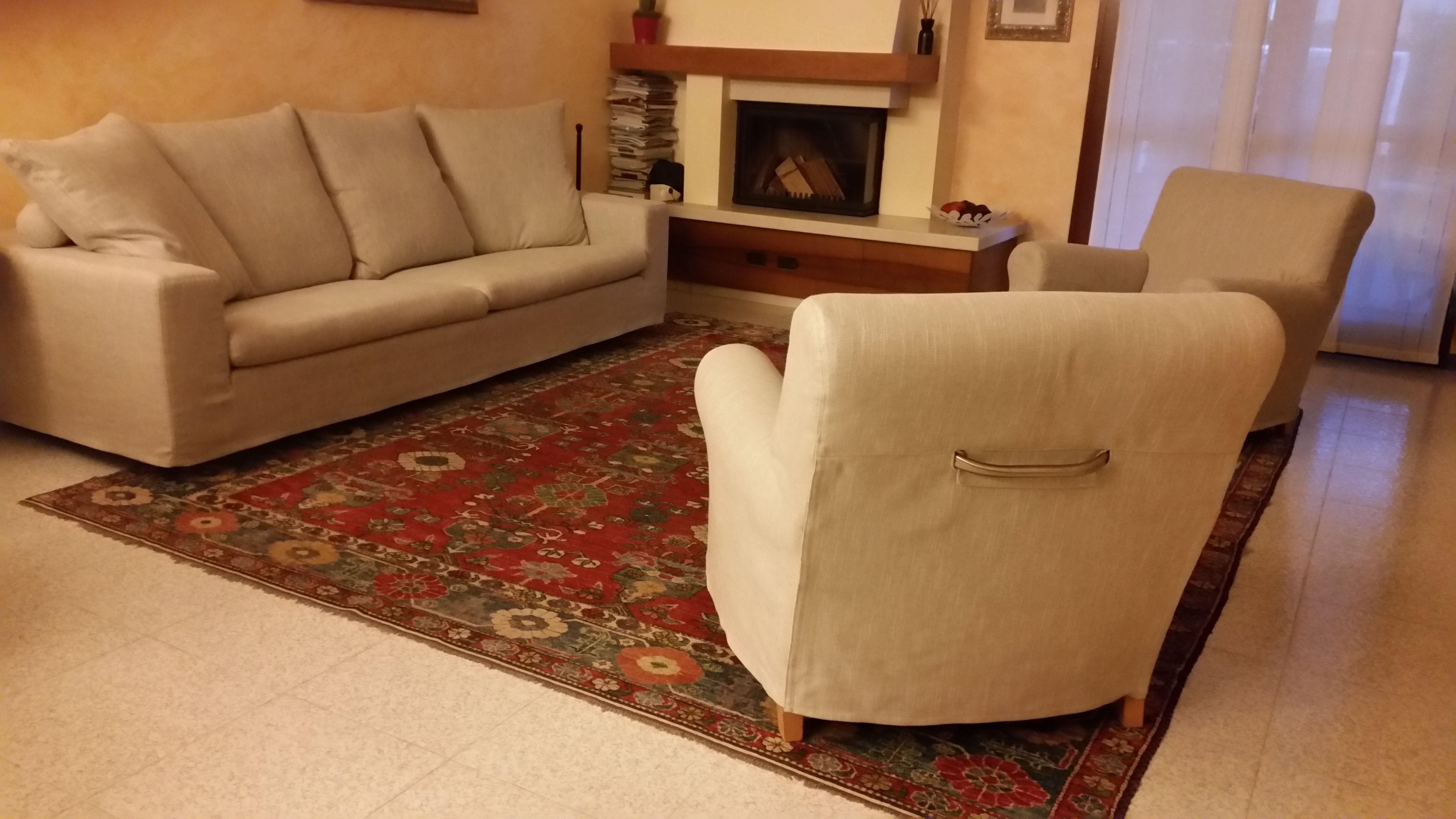 Nostro recente restauro e nuovo rivestimento divano flexform modello poggiolungo e poltrona - Rivestimento divano costo ...