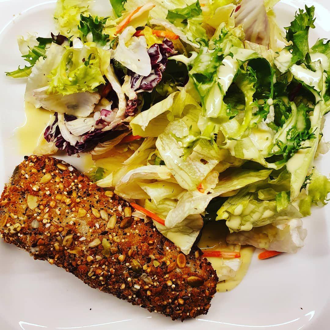 Und nach dem Training gab es Salat mit einem Honig Senf dressing  #dansformation #dasfettmusswech #f...