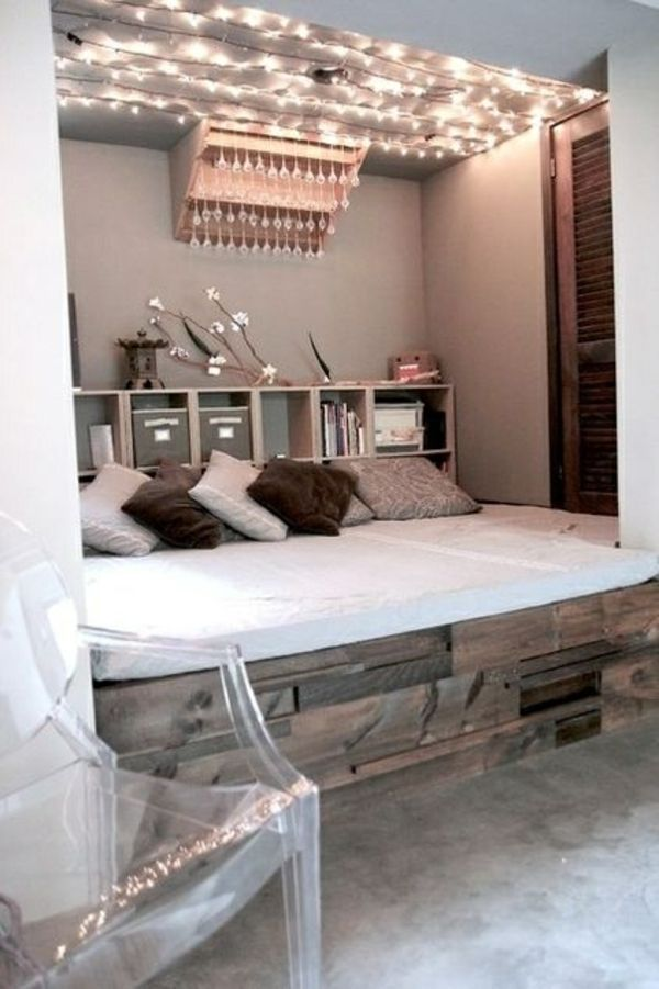 einrichtungsideen für schlafzimmer beleuchtung decke dekokissen