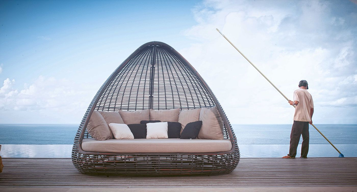 Enjoy the outdoor life of leisure with fiore rosso furniture outdoorliving dubai