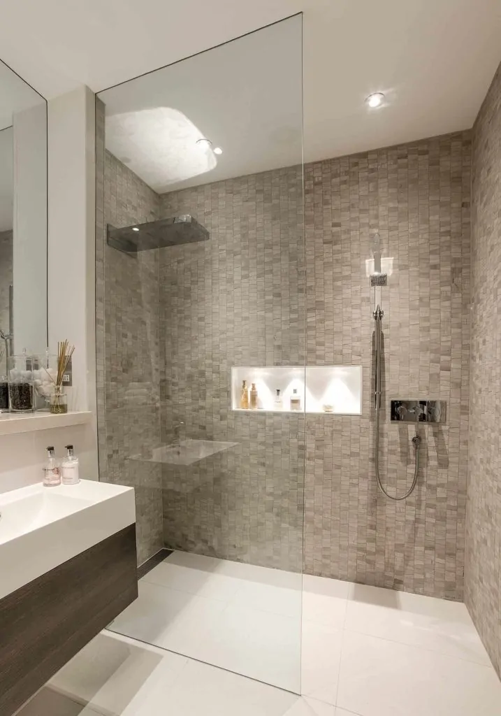 36 Luxury Walk In Shower Ideas For Your Bathroom In 2020 Modern