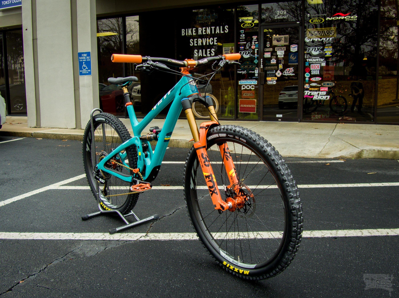2018 Custom Yeti SB 5.5 - Vital MTB Bike of the Day - Fresh Bike ...
