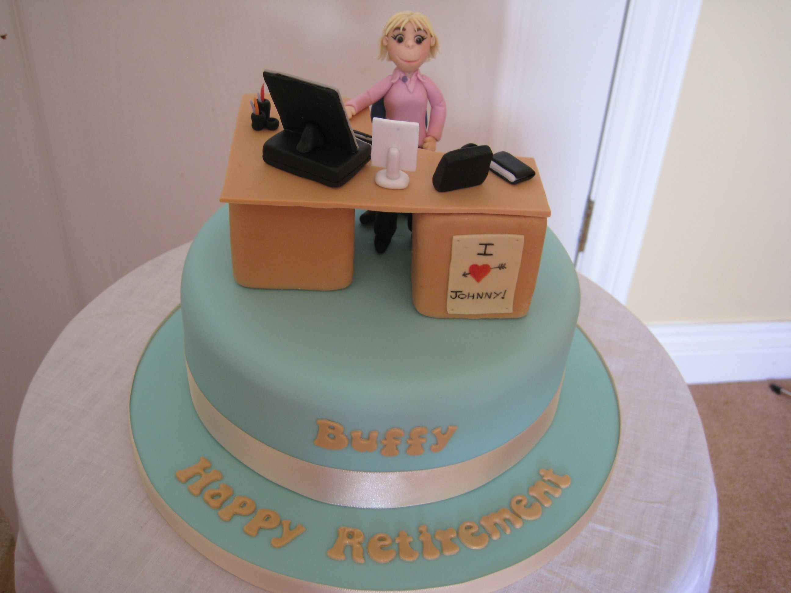 Fondant Cake Designs For 60th Birthday : Office Desk Retirement Cake - Buffy s retirement cake ...