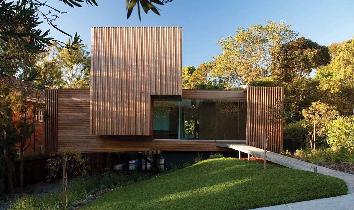 Une maison avec un bardage de fa ade en bois php bardage bois maison bois en maison - Facade maison en bois ...