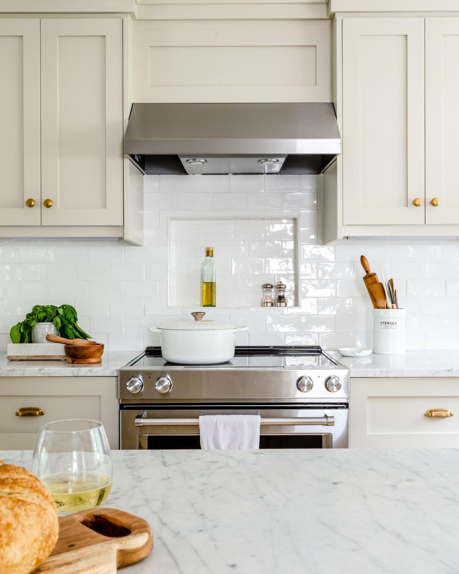 Budget Friendly Cabinets Transform This Massachusetts Ranch House Tan Kitchen Kitchen Inspirations Kitchen Niche
