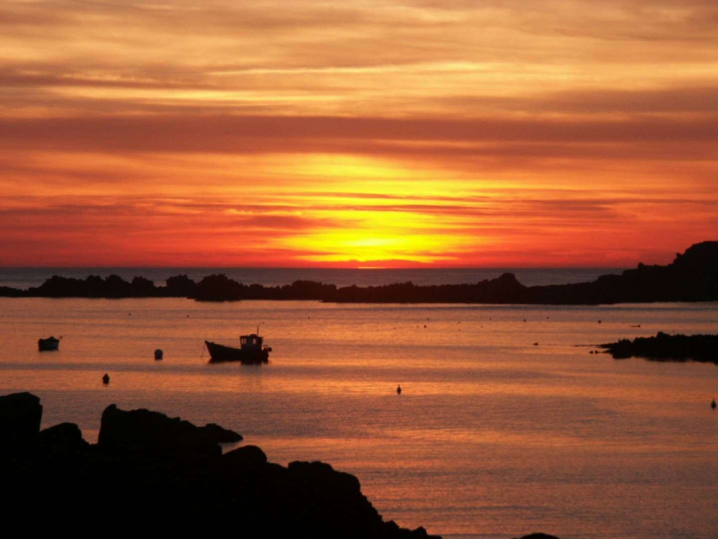 Guernsey Sunset Channel Islands Hd Travel Photos And Wallpapers Guernsey Channel Islands Island Guernsey Island