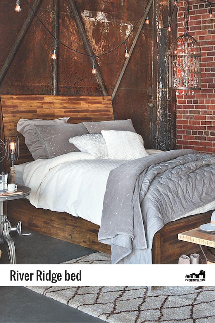 River Ridge Panel bed exemplifies rustic cabin chic