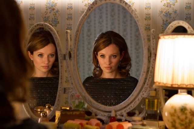 Emily Browning's 60s look in Legend (2015)