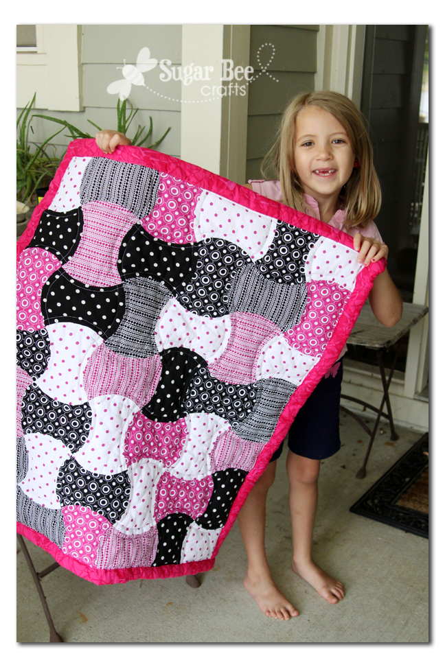 Go Baby Review Apple Core Quilt Baby Girl Quilts Quilts Baby Quilt Patterns