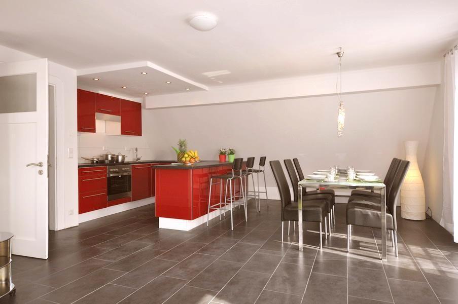 Rot ist derzeit eine sehr beliebte Farbe in der Küche! Lass dich - küche farben ideen