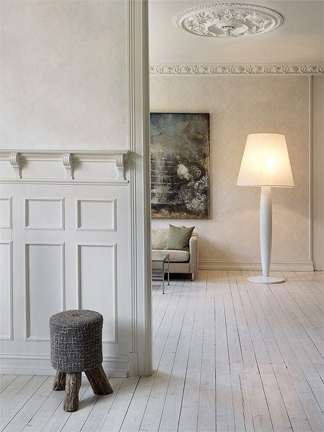 Elisabeth Werp maleri er fint da!! Kunne vært et stoooort et på fin stue veggen....