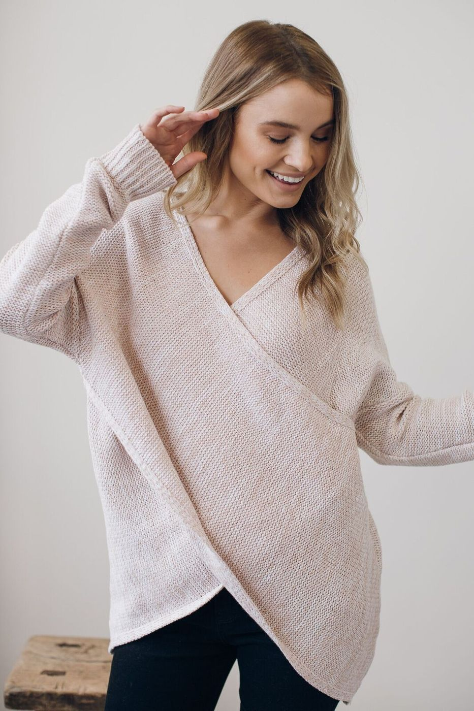 66278d8f5b9c7 The perfect sweater for nursing and after pregnancy! pink nursing friendly  sweater, winter, fall wardrobe, fall outfit ideas for moms, casual mom  friendly