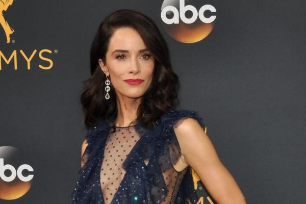 Grey S Anatomy Abigail Spencer Replaces Bridget Regan As Owen S Sister Abigail Spencer Bridget Regan Timeless