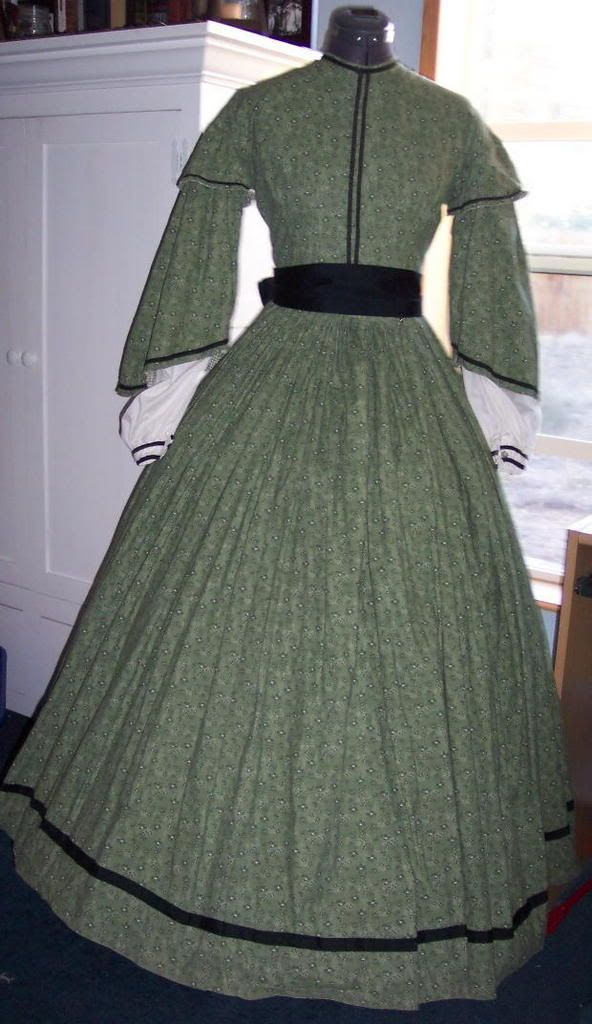 Pemberley Couture: Green Day Dress 1860's | Civil War Day